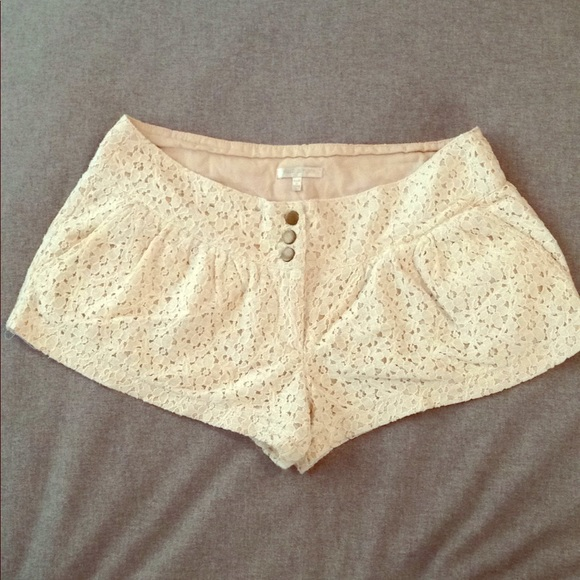 Just Ginger Pants - Floral Cream Lace Shorts w/ Brass Buttons